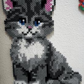 Кошка из теромозаики hama