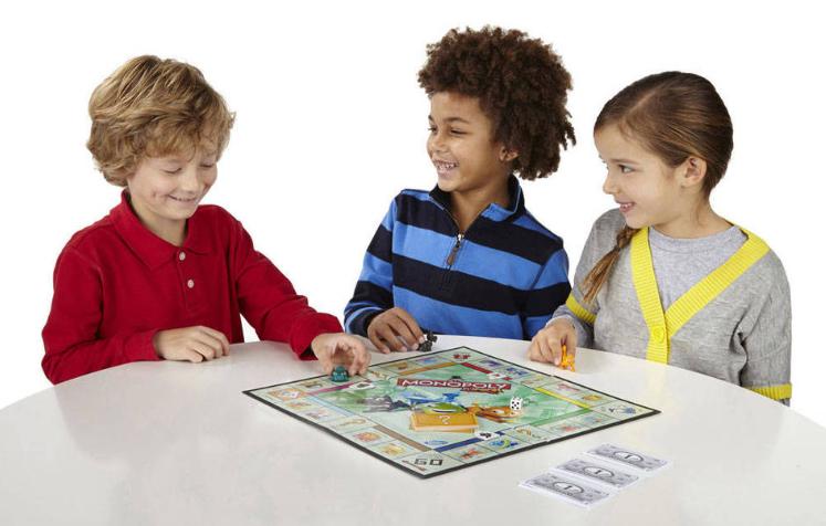 """Как играть в """"Монополию"""" научить самых маленьких"""