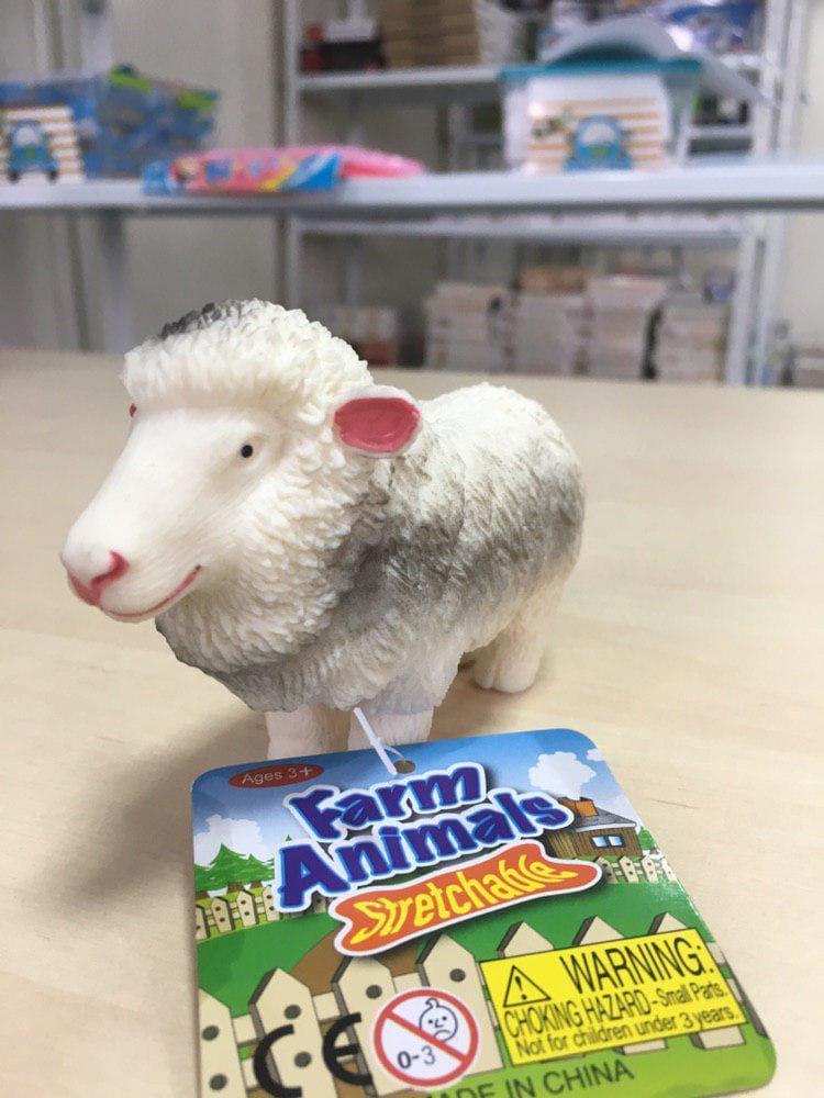 Белая силиконовая овечка для рук