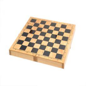 розкладена шахівниця