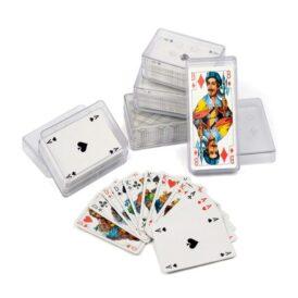 колода карт в пластиковом футляре